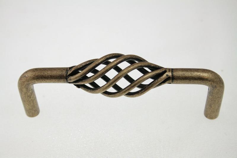 Uchwyt meblowy UC0105, 96mm, stare złoto, gamet