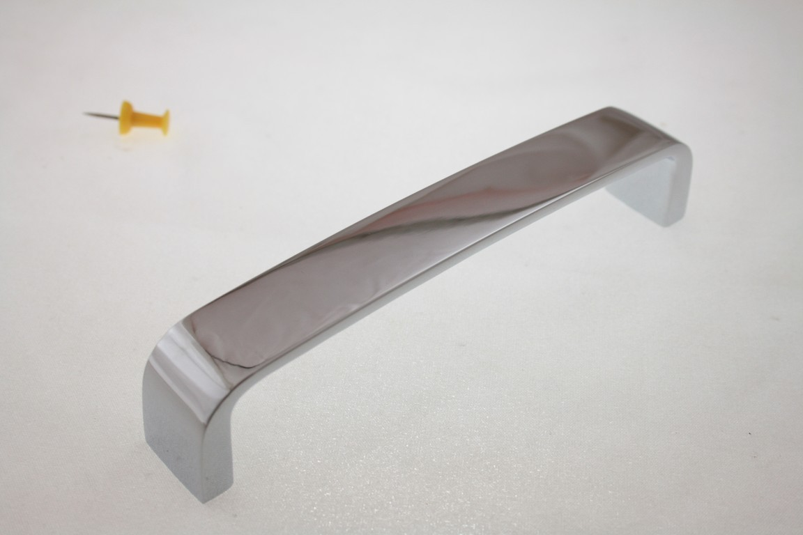 Uchwyt meblowy UN9404, chrom, 128mm, gamet