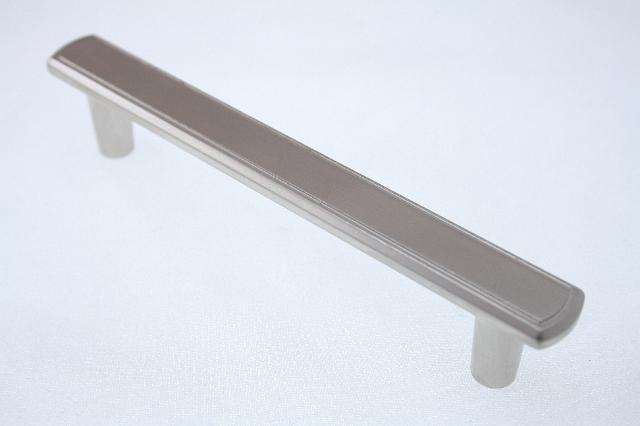 Uchwyt meblowy  C-1044-G5, 128mm, satyna, nomet