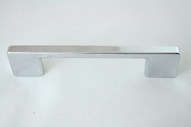 Uchwyt meblowy  C-1143-G2, 96mm, chrom, nomet