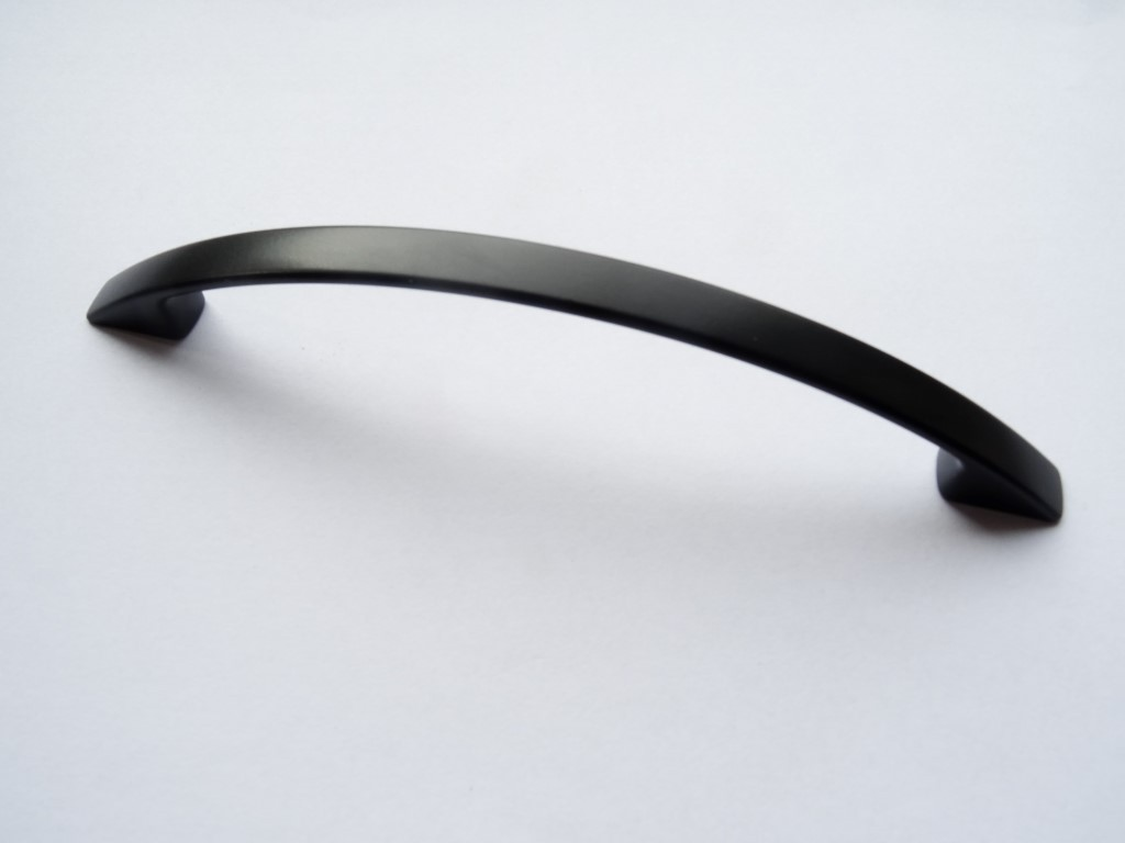 uchwyt meblowy c-174 czarny mat 128mm