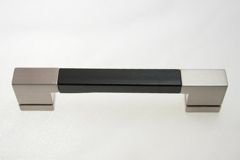 Uchwyt meblowy RE5007 128mm szlif + drewno, gamet