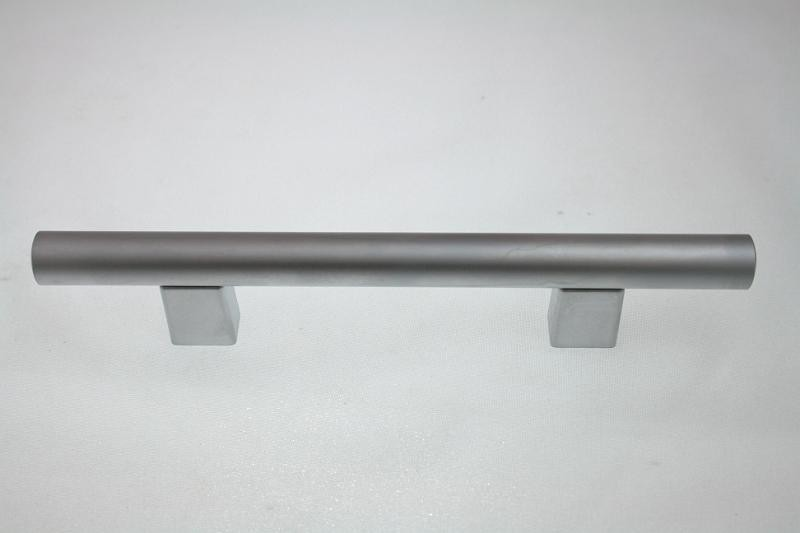 Uchwyt meblowy relingowy RE9008, 96mm, aluminium, gamet