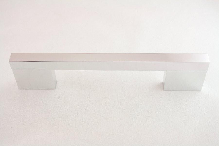 Uchwyt meblowy K.UC2104, (AA18) chrom, 128mm, kash