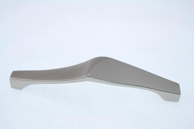 Uchwyt meblowy  UN0506, 96mm, satyna, gamet