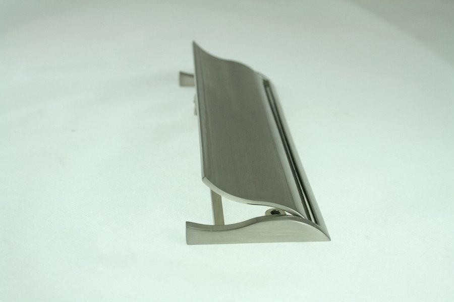 Kołatka meblowa UN7007szlif, inox, 128mm gamet