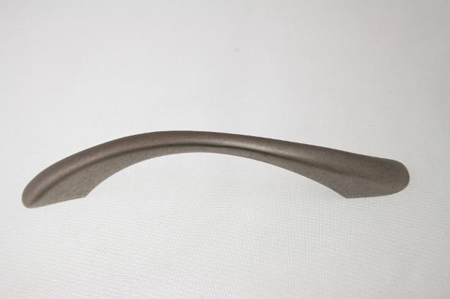 Uchwyt meblowy  UN83-11, 96mm, stare srebro, gamet