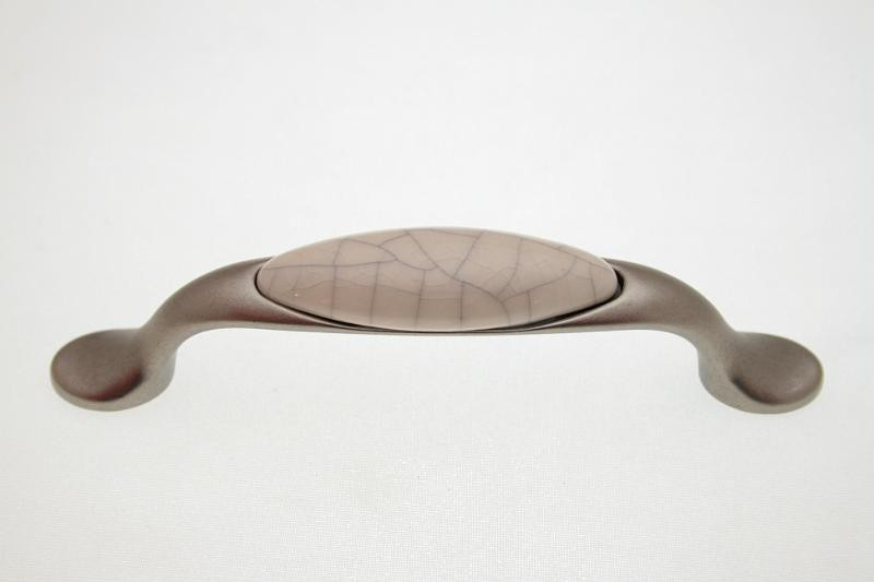 Uchwyt meblowy porcelanowy UP19-11-MLK-4 porcelana + stare srebro, rozstaw 96mm, Gamet