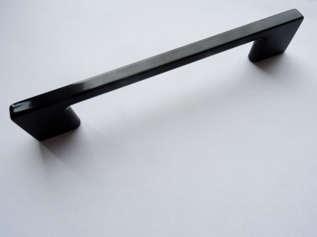 uchwyt meblowy uzt66 czarny połysk  128mm